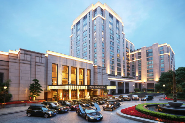 Шанхайский отель добавил BMW i8 2015  Фото 1
