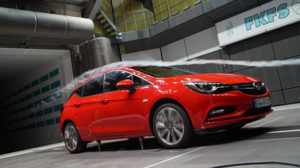 Новый Opel Astra  2015 Фото 06
