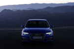Static photo, Colour: in crystal effect paint finish Ara Blue