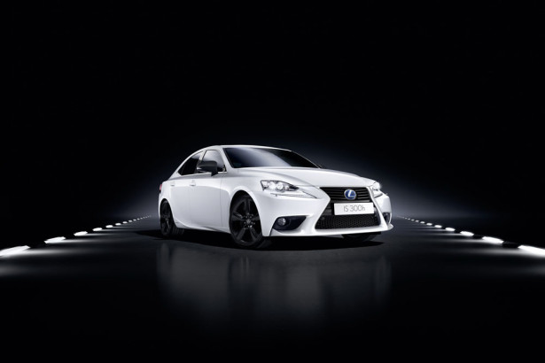 Lexus IS300h Sport 2016 Фото 13