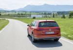 Volkswagen Passat Alltrack Фото 15