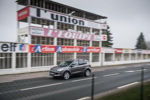 Ford Kuga 2015 Фото 01