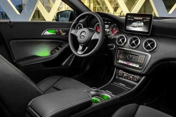 Mercedes-Benz A-Klasse (W 176) 2015 Mercedes-Benz A-Class (W 176