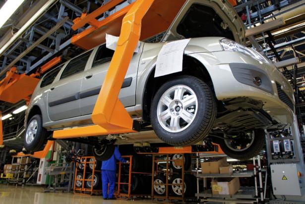 В октябре производство легковых автомобилей в России упало на 11,4%