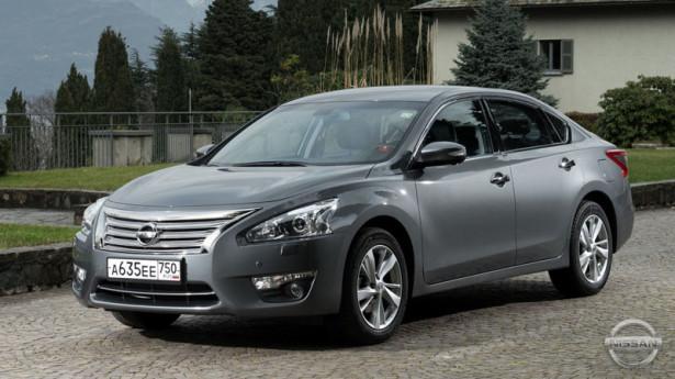 Nissan Teana покинет российский рынок, не выдержав конкуренции Toyota Camry