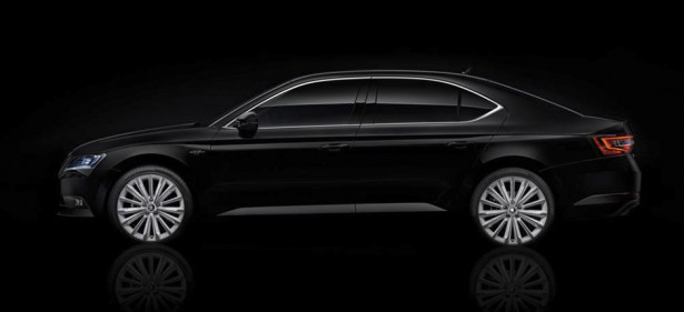 Skoda Superb Black Crystal 01