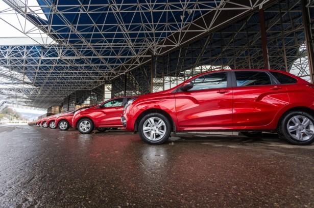 АвтоВАЗ названы официальные цены на Lada XRay