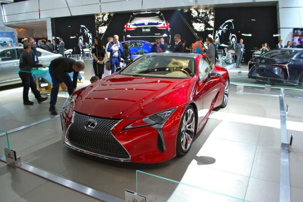 Lexus LC 2017 Фото 02