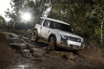Land Rover DC100 Фото 04