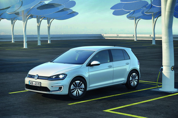 Volkswagen e-Golf 2016 Фото 06