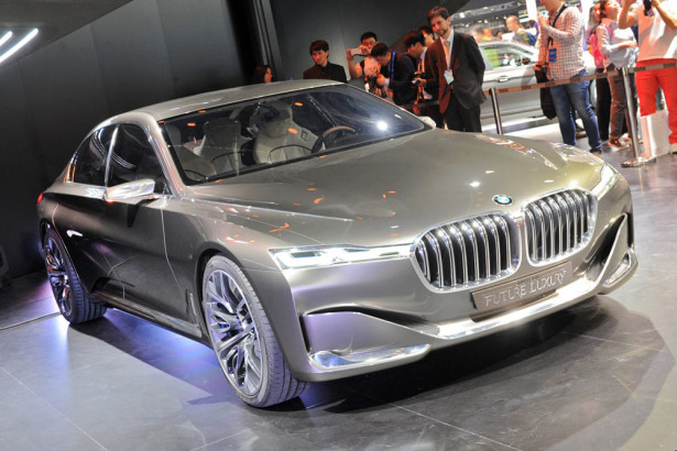 BMW 7-Series Super-Saloon Фото 01