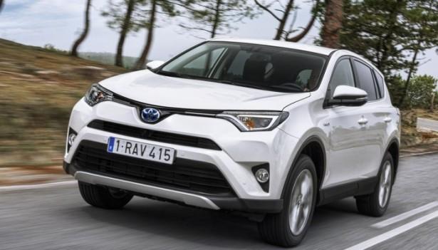Обновленный кроссовер Toyota RAV-4 появился на российском рынке