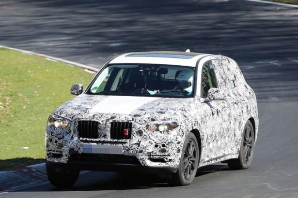 BMW вывел на тесты рестайлинговый кроссовер X3