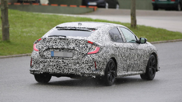 Honda вывела на тесты серийный хэтчбэк Civic 1