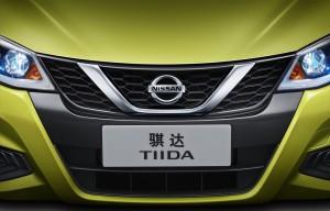Nissan показал тизер рестайлингового хэтчбэка Tiida