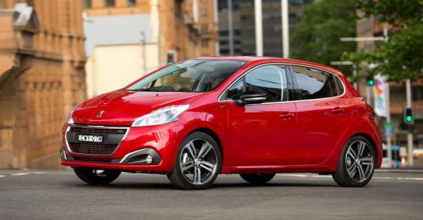 PSA Peugeot Citroen официально опровергла слухи об уходе хэтчбэка 208 с российского рынка