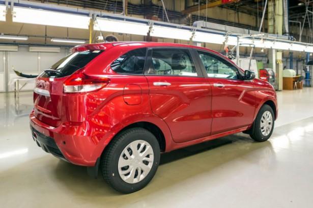 Первые экземпляры Lada Xray уже поступили к дилерам Белоруссии