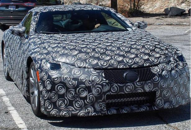 На испытания вышел новый Lexus ES 2018 года
