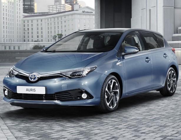 Toyota обновила универсал и хэтчбэк Auris для России
