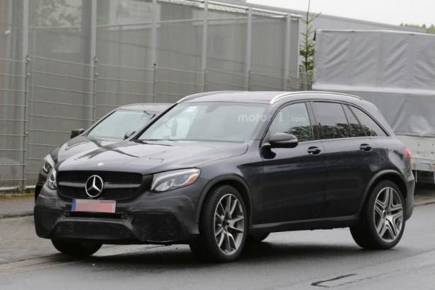 Высокопроизводительный кроссовер Mercedes AMG замечен во время тестов