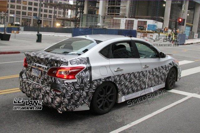Новый «заряженный» седан Nissan Sentra Nismo на днях был замечен фотошпионами на улицах Лос-Анджелеса.