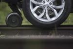 Land Rover Discovery Sport буксирует поезд Фото 14