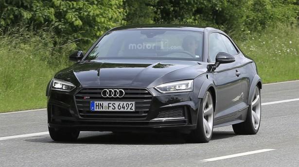 Обновленный Audi RS5 попал в объективы на дорожных испытаниях
