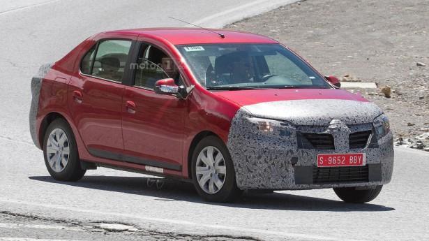 Шпионы поймали рестайлинговый седан Dacia Logan