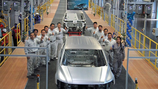 Удлинённый кузов нового Volkswagen Tiguan произвели на заводе в Мексике