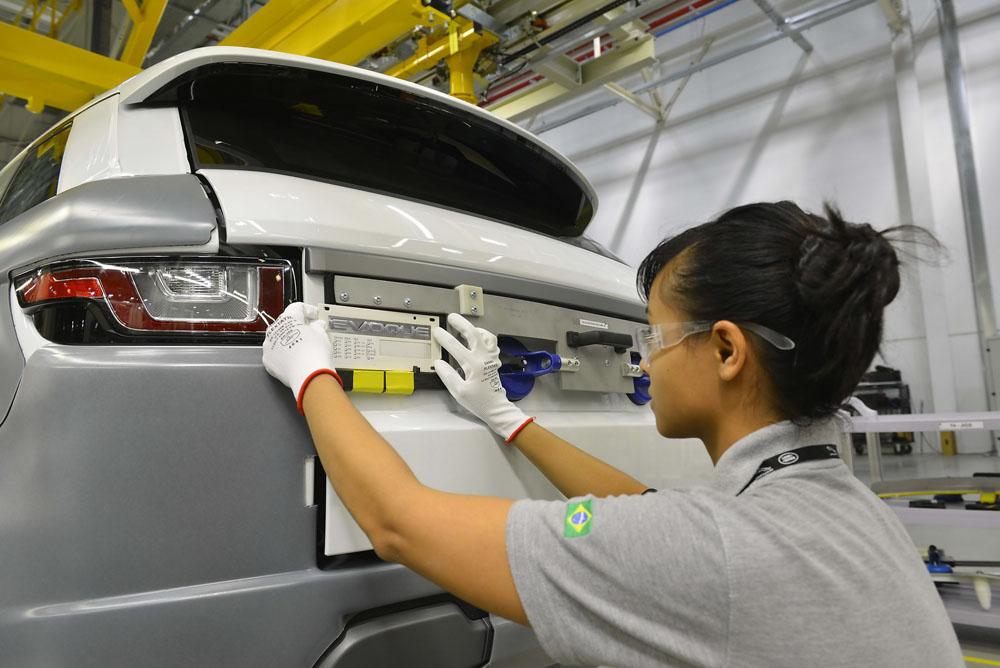 Сборка автомобиля Range Rover Sport
