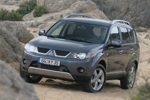 Продажи кроссоверов и внедорожников Mitsubishi сократились в России