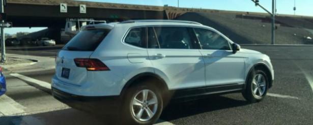 Volkswagen Tiguan с длинообразным кузовом замечен в США