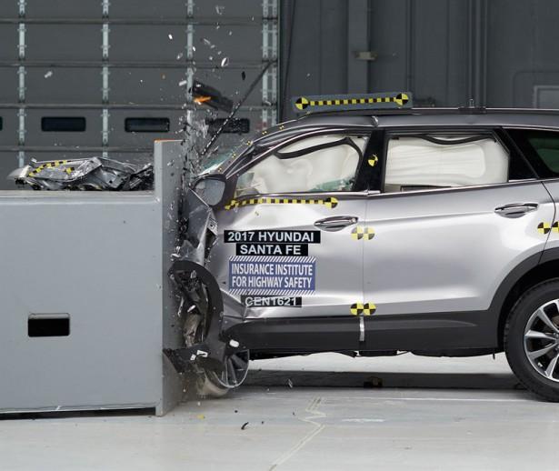 Hyundai Santa Fe 2017 краш-тест Фото 01