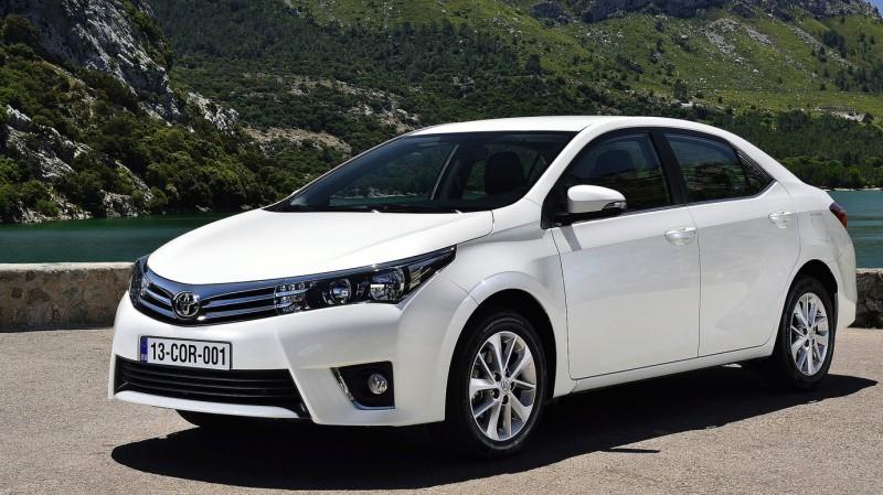 На рынок России вышел обновленный седан Toyota Corolla