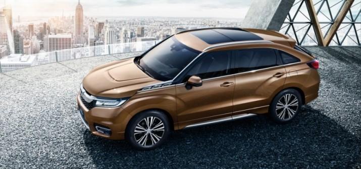 Honda опубликовала официальную фотогалерею с новым внедорожником Avancier