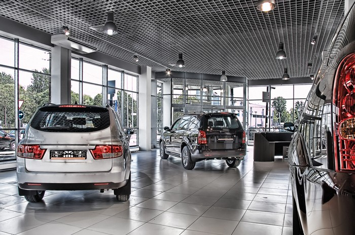 В Российской Федерации становится менее автомобильных салонов