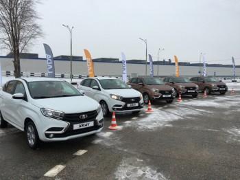 Автоваза опровергли слухи о прекращении поставок Lada в Украину