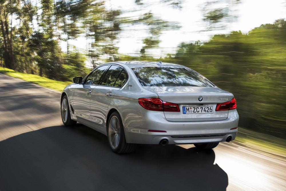 Новый BMW цена фото видео, БМВ 5-серии 7 поколения