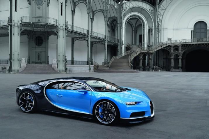 Bugatti Chiron 2017 фото 01