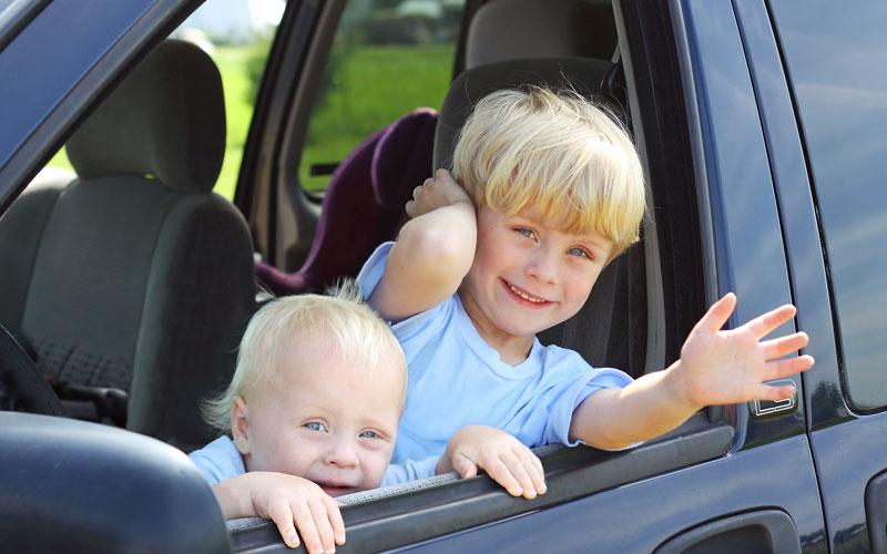 Ссамого начала 2017г. оставлять вавтомобиле детей будет воспрещено