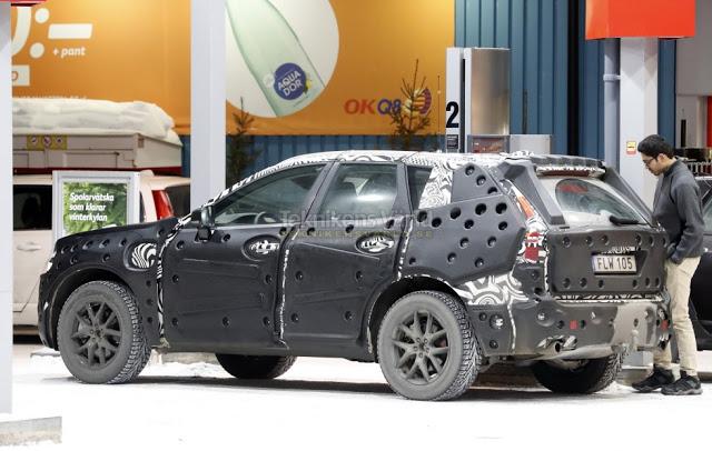 шпионские фото нового Volvo XC60 показали в Сети