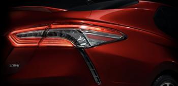 тизер Toyota Camry 2018 появился в Сети