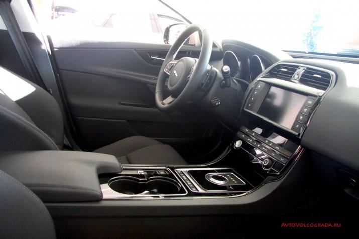 -драйв Jaguar XE 2016 Фото 42