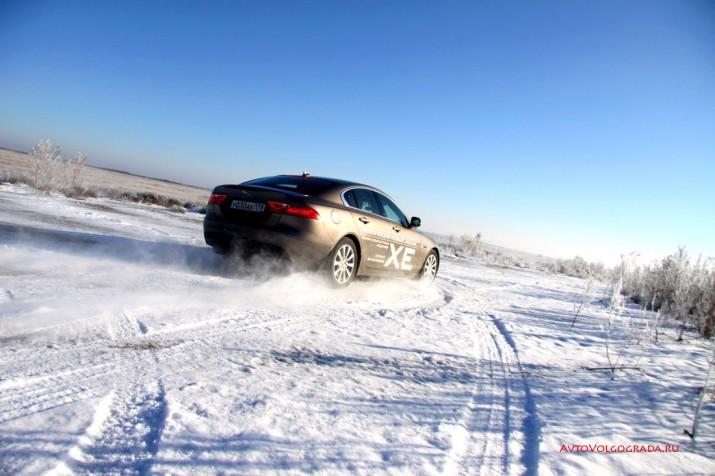 -драйв Jaguar XE 2016 Фото 58