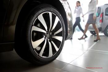 17-дюймовые колесные диски Citroen C4 седан