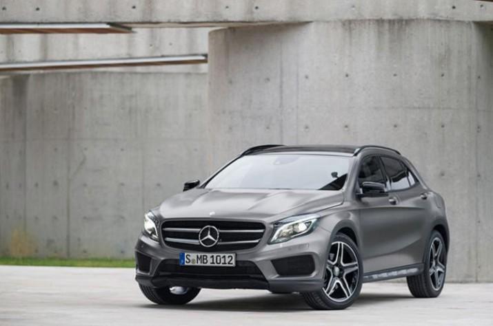 Mercedes-Benz показал два новых кроссовера GLA в США