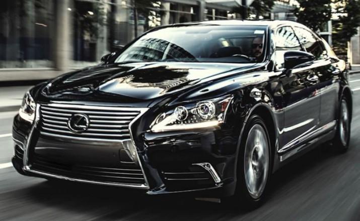 Lexus LS предстал перед посетителями автосалона в детройте