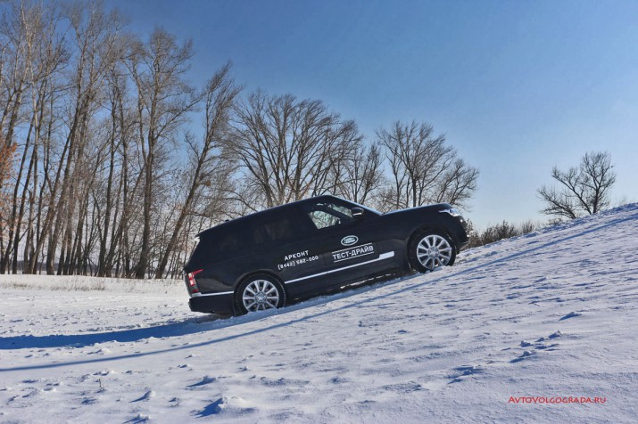 Фирменный режим адаптации подвески Dynamic Responce позволяет взглянуть на автомобиль под другим углом.