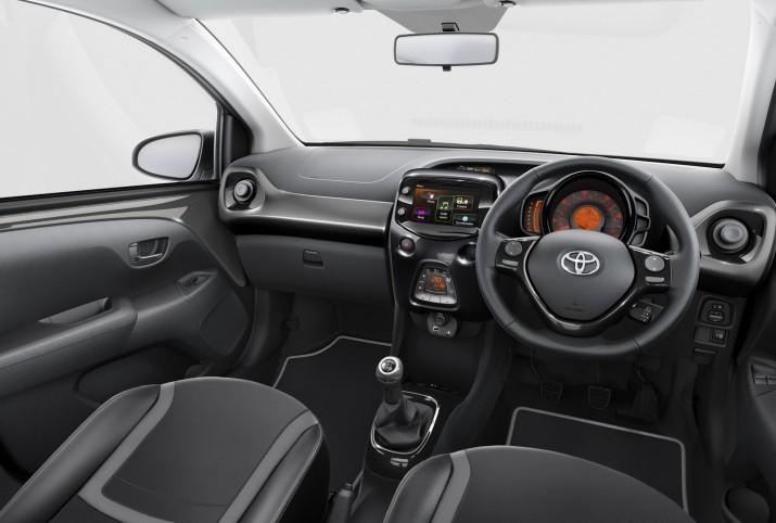Toyota Aygo X-Clusiv 2107 Фото 03