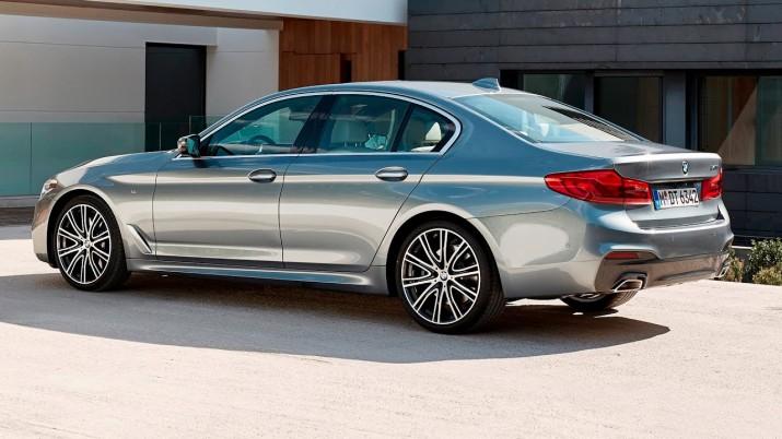BMW 5-серии нового поколения представили россиянам в Казани